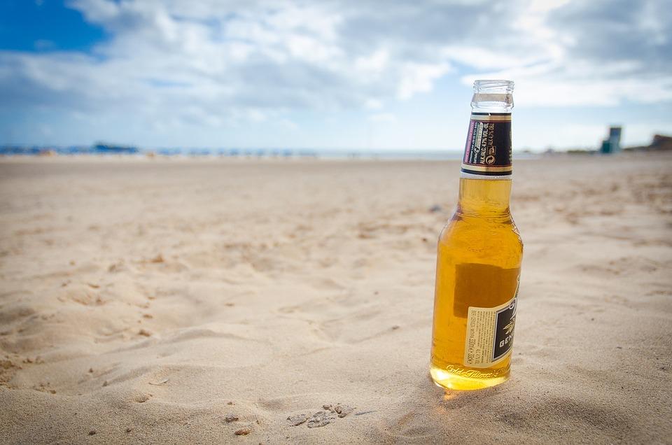 La décision à prendre : une bière sur la plage ou pas ?