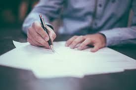 Comment écrire une lettre ou pourquoi faire appel à un écrivain public ?